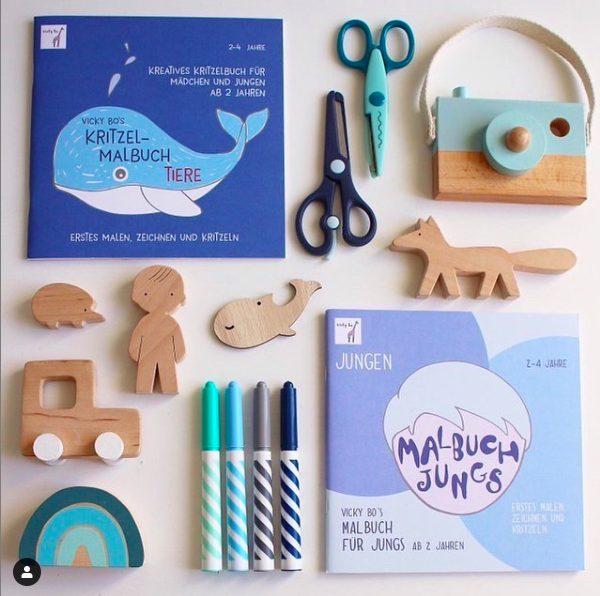Hellblaue gestaltete Malbücher für Jungs